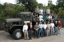 Military_truck_with_crew_2004